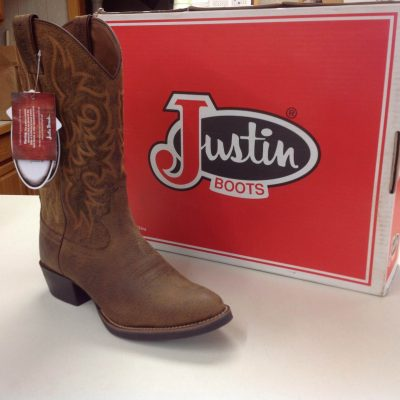 Justin Cowboy Boots at Davis Trailer World
