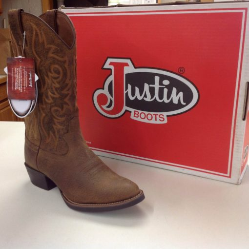 Justin Cowboy Boots at Davis Trailer World